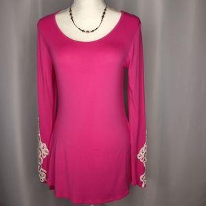 MODERN VINTAGE BOUTIQUE Pink Tunic Sz L